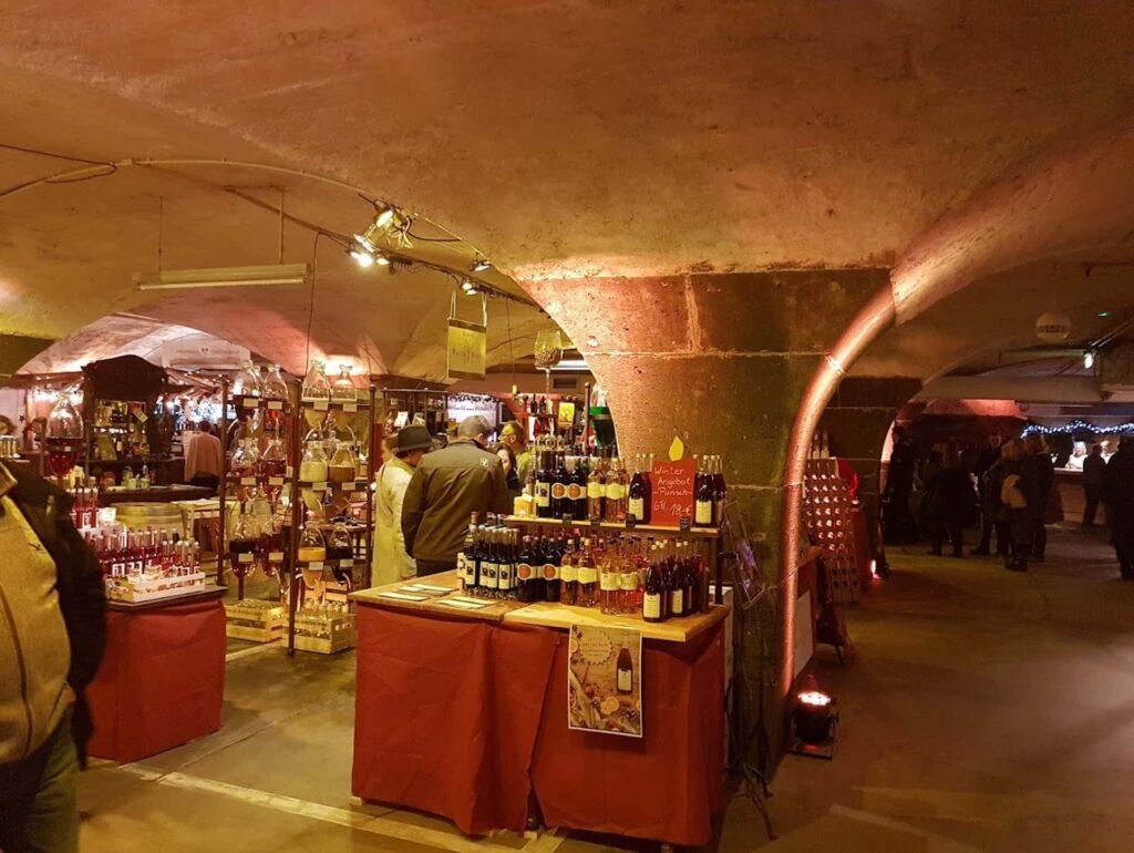 Weihnachtsmarkt im Keller in Traben-Trarbach
